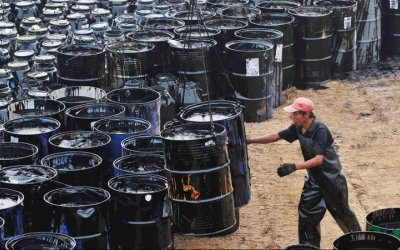 Caen 43% los ingresos por petróleo