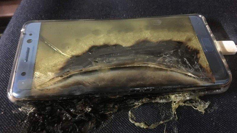 (AMPLIACIÓN)- Samsung suspende en todo el mundo la venta del Galaxy Note7