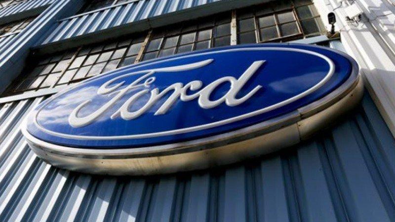 Ganancia trimestral de Ford cae por alza de costos y menores