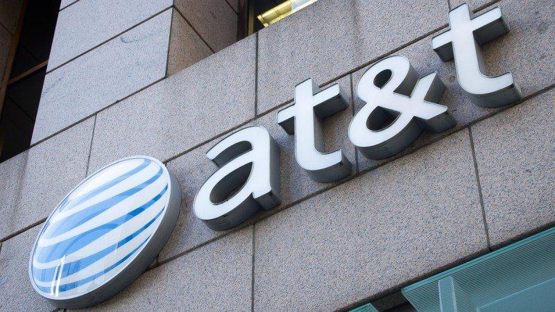 Imponen condiciones a AT&T para compra de Time Warner