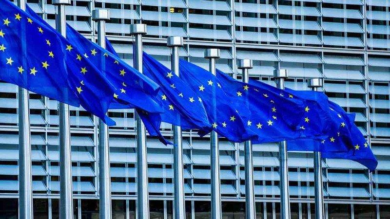 Comisión Europea sanciona a fabricantes electrónicos