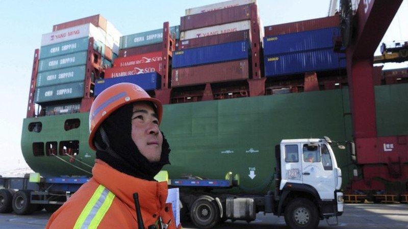 Trump ordena aplicar aranceles a más productos chinos