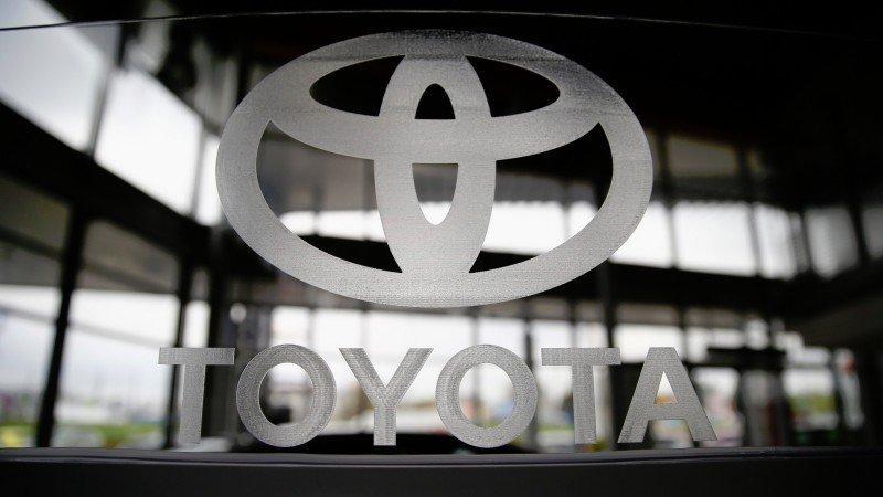 Patentes de autos híbridos de Toyota serán de acceso libre